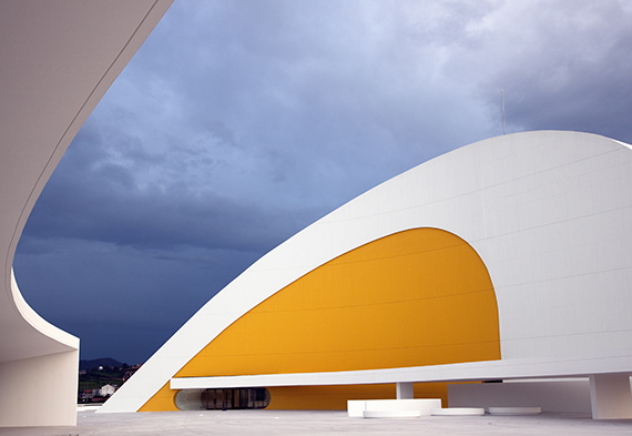 Oleo as well As Principais Obras De Oscar Niemeyer Pelo Mundo in addition Oscar Niemeyer International Cultural Centre also Croquis Desenhos De Oscar Niemeyer Serao Digitalizados besides Diez Anos Chabolas 20141109004356 V. on aviles niemeyer